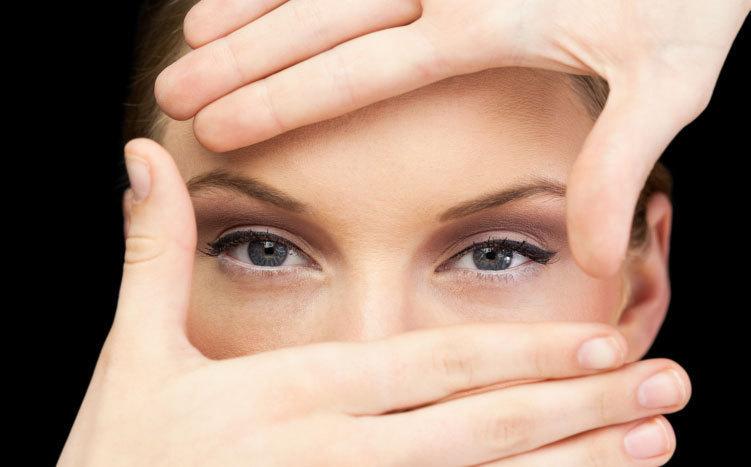 Le-glaucome-diagnostiqué-par-votre-façon-de-regarder-la-télé-santecool