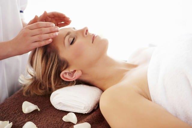 Reikiologie-la-relaxation-méditative-par-le-toucher-santecool