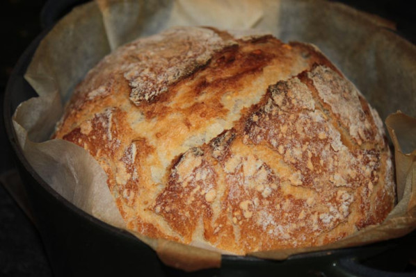 Pain-cocotte-au levain-le-plus-simple-du-monde-santecool