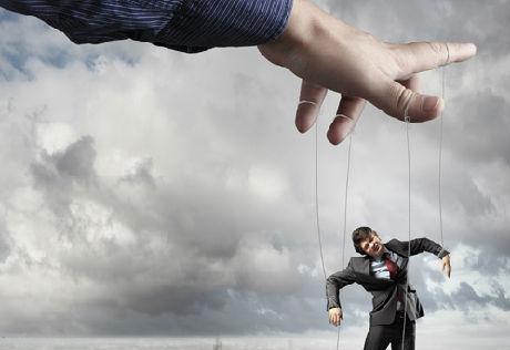 Comment-reconnaître-un-manipulateur-et-le-mettre-en-échec-santecool