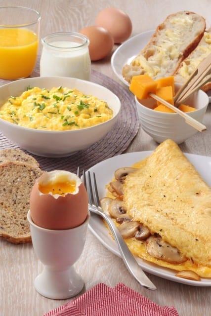 Un-brunch-de-fête-avec-les-œufs-santecool