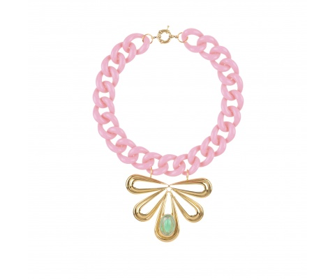 COLLIER-CYCLOPE-EMERAUDE-ROSE-JULIE SION-Un-été-en -mode-pastel-santecool