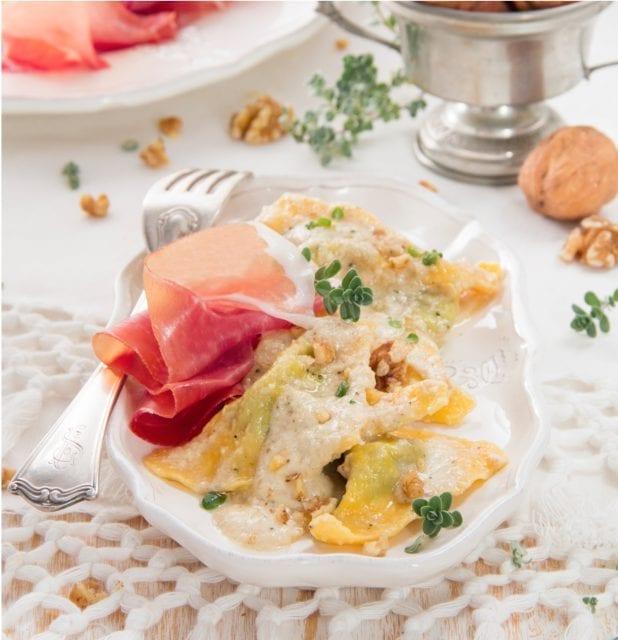 raviolis-au-jambon-de-parme-et-pesto-aux-noix-santecool