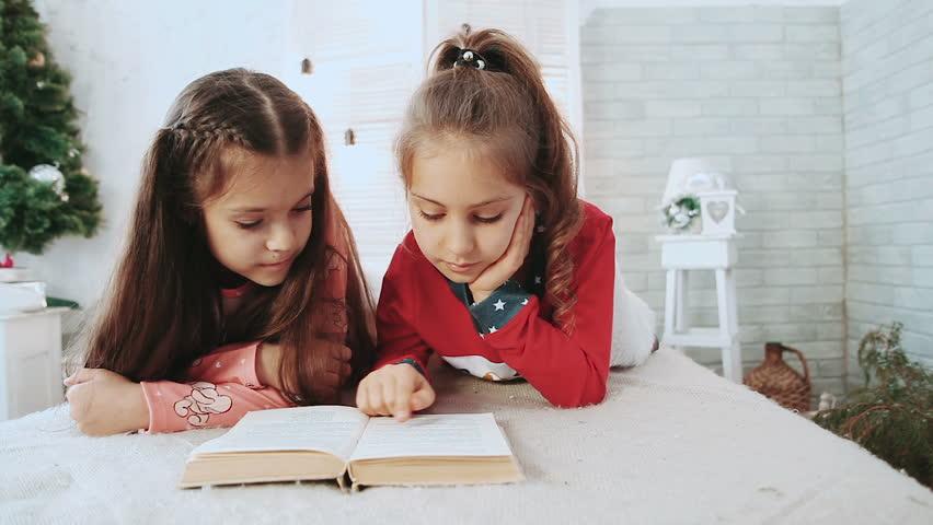 Comment l'enfant apprend-il à lire et à écrire?