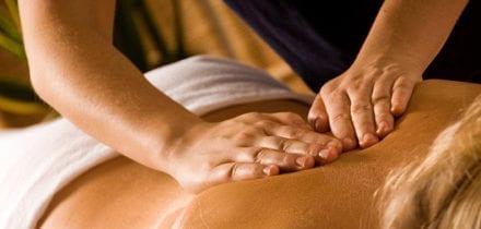Massage à domicile : le bien-être dans notre salon