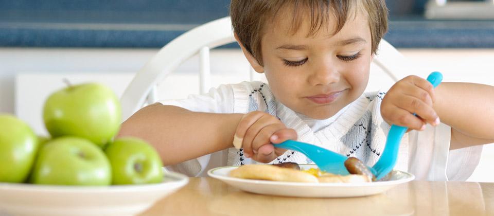 Quand les jeunes enfants apprennent à manger une grande variété de textures