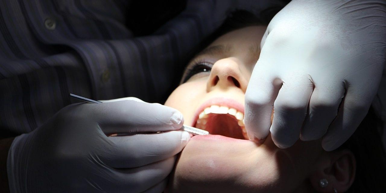 Orthodontie : quels sont les appareils conçus pour les adultes