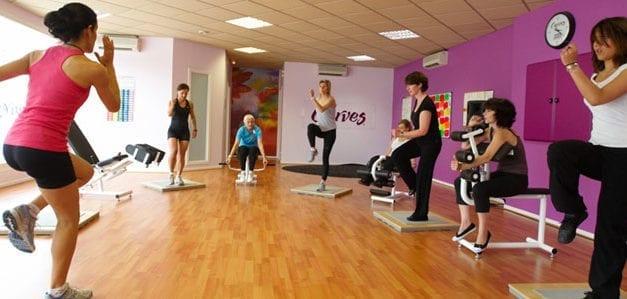 Curves, le must des clubs de fitness réservé aux femmes !