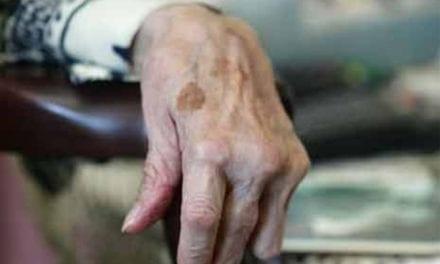 Faut-il soigner les patients très âgés comme les autres?