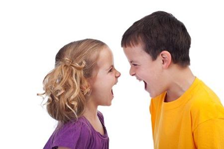 Les enfants ayant un grand frère parlent moins bien