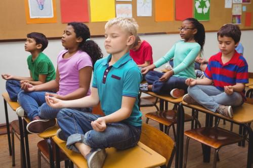 La méditation pour apaiser les élèves