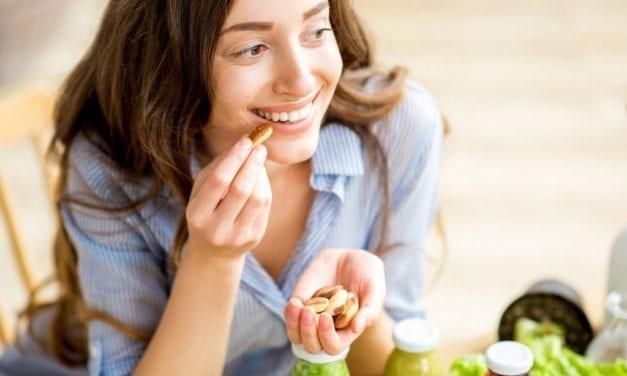 Manger des amandes réduit les rides