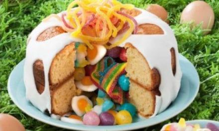 Un bon gros gâteau-surprise pour Pâques