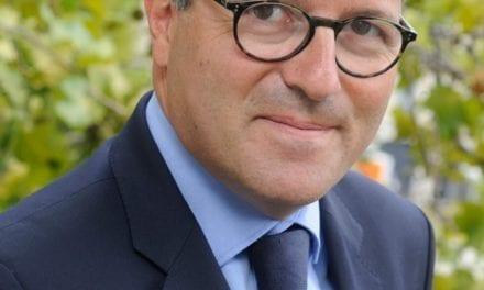 Martin Hirsch ne supporte plus les complotistes … Surtout Didier Raoult !