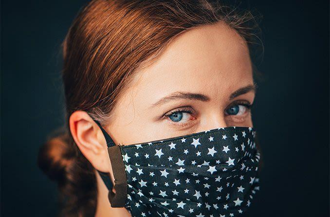 Variant anglais : le Haut conseil de santé publique recommande de ne plus utiliser de masques en tissu et de garder 2 mètres de distance