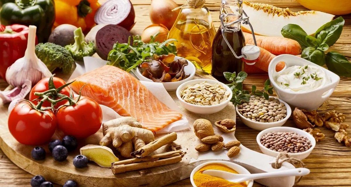 Consommer une alimentation riche en caroténoïdes diminue les risques de développer une DMLA