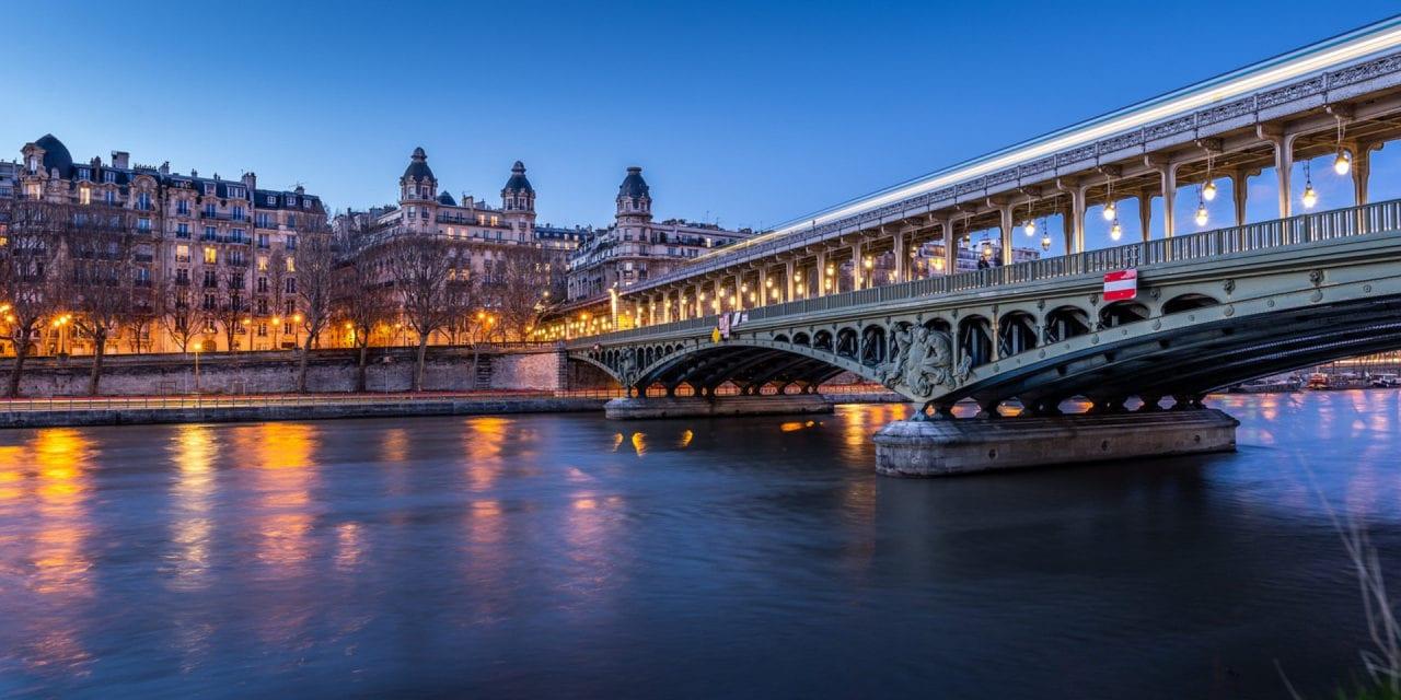 Tendance du moment : louer une péniche à Paris